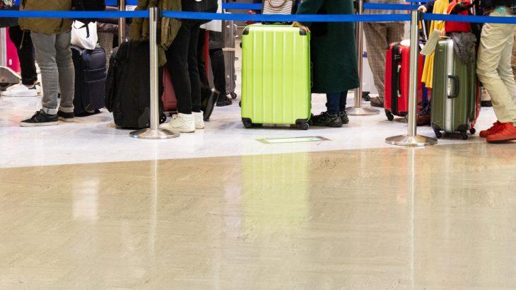 スーツケースはどう選ぶべき?購入前のチェックポイントを解説