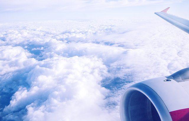 海外出張を楽に!飛行機の長時間フライトでも疲れにくい方法