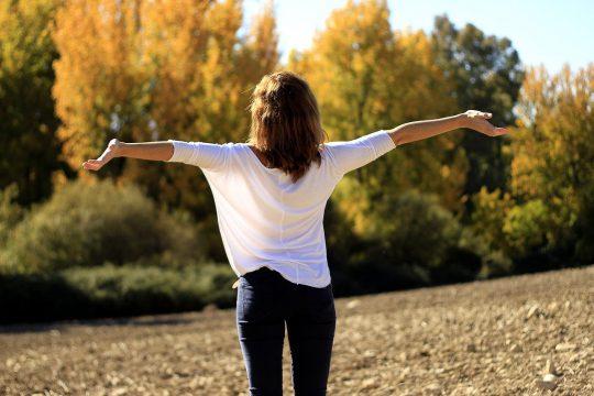 出張疲れは早めに対策! 疲労を素早く回復するコツとおすすめアイテム