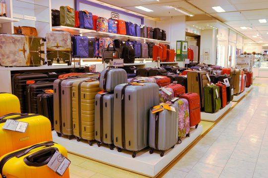 海外出張スーツケース選びのポイント【機能・タイプ別おすすめ9選】